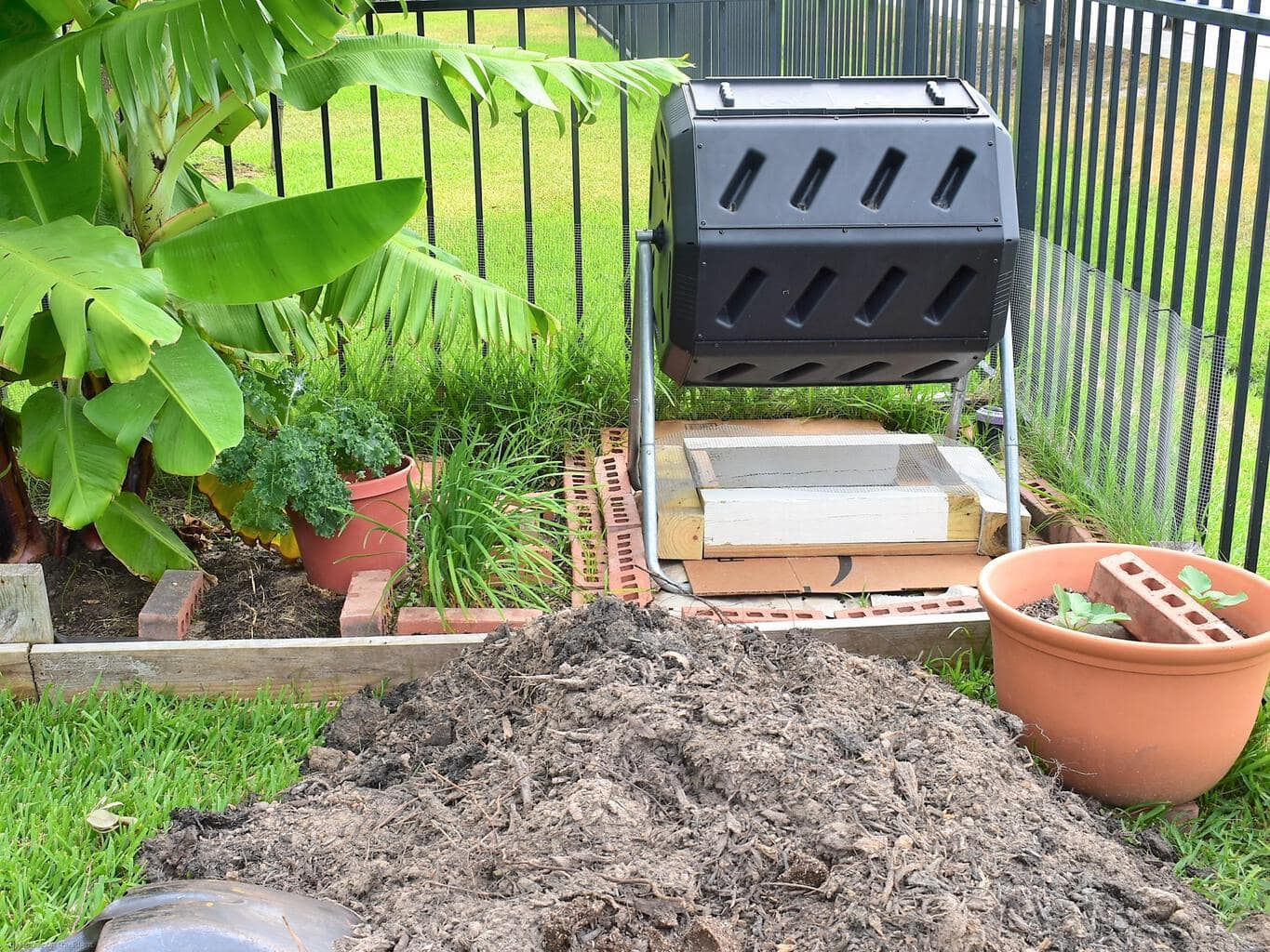 Compost Bin with sifter (3)